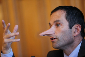 ce monsieur est défavorable aux amendements qui protègent les consommateurs contre les multinationales de l'informatique : Merci Monsieur Hamon